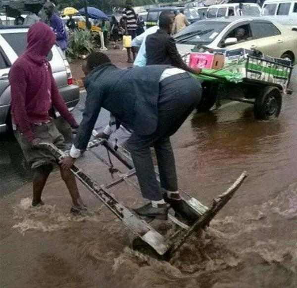 Overnight rains inflicted some indignities on Nairobians trying to get to work on Monday morning. (Photo/Twitter)