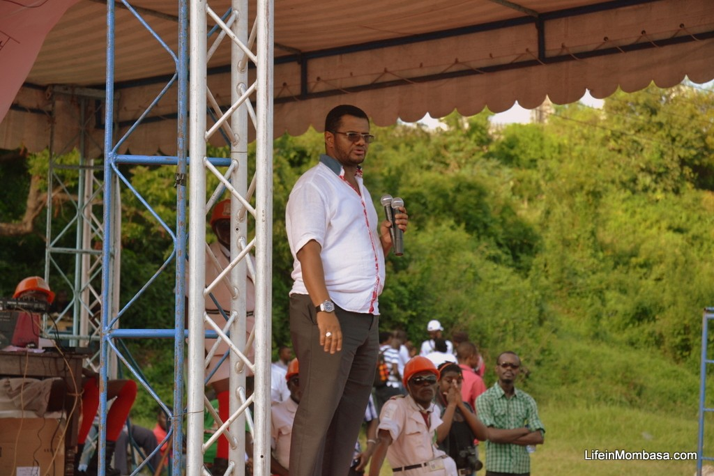 Hassan Omar addressing Jukumu Letu participants at Mama Ngina grounds Mombasa
